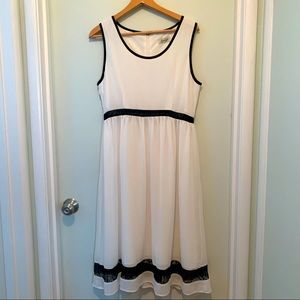 Avaleigh white with black lace trim dress sz L